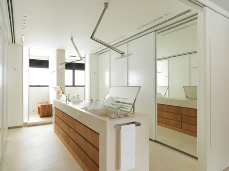Apartamento VNC 4 Banheiros modernos por Toninho Noronha Arquitetura Moderno