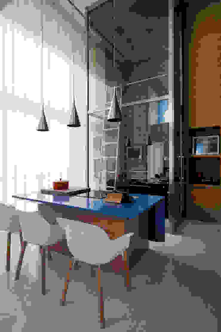 Loft Itaim Adegas modernas por Toninho Noronha Arquitetura Moderno