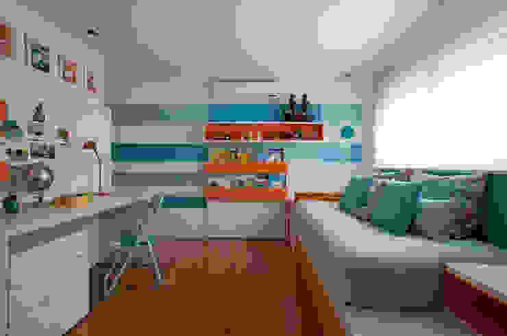 Loft Itaim Quarto infantil moderno por Toninho Noronha Arquitetura Moderno
