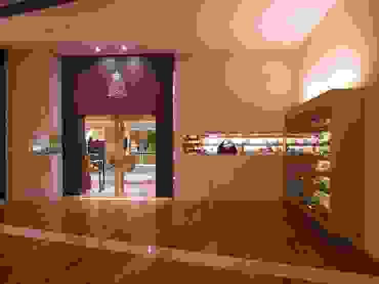 Loja Jorge Alex Lojas & Imóveis comerciais modernos por Toninho Noronha Arquitetura Moderno