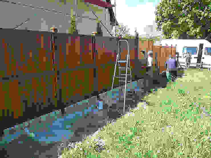 Taras drewniany i ogrodzenie. Realizacja w Zielonej Górze. od PHU Bortnowski