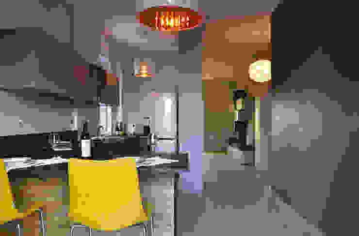 Cocinas de estilo  por arCMdesign - Architetto Michela Colaone , Moderno