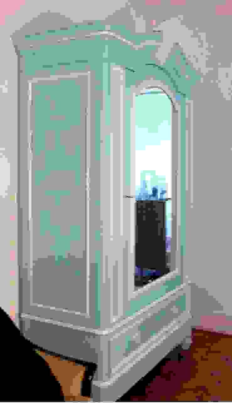 Roupeiro romântico por A Velha Fábrica Clássico Madeira maciça Multicolor