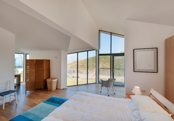 Rockside, Polzeath, Cornwall Modern style bedroom by Trewin Design Architects Modern