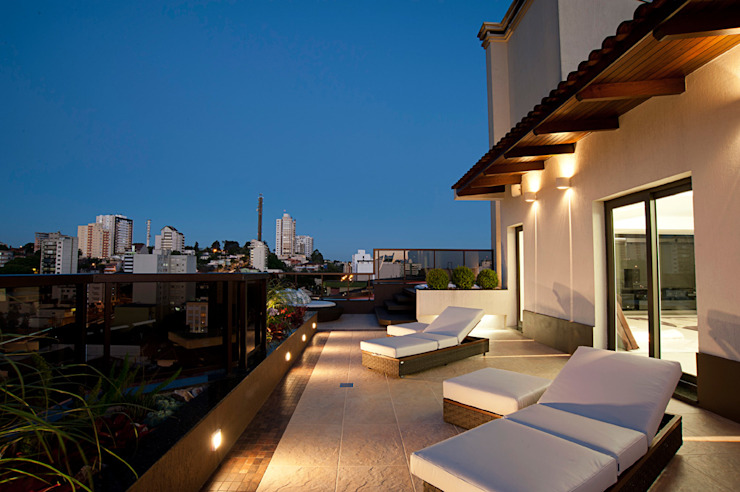 Pinheiro Machado Arquitetura Modern style balcony, porch & terrace