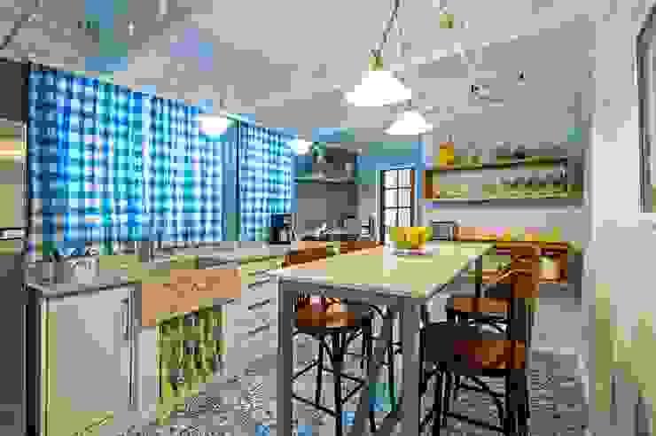 Rustikale Küchen von Studio Boscardin.Corsi Arquitetura Rustikal