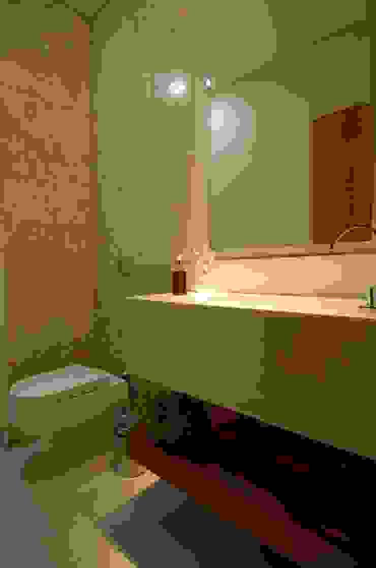 Cabral Arquitetura Ltda. 現代浴室設計點子、靈感&圖片