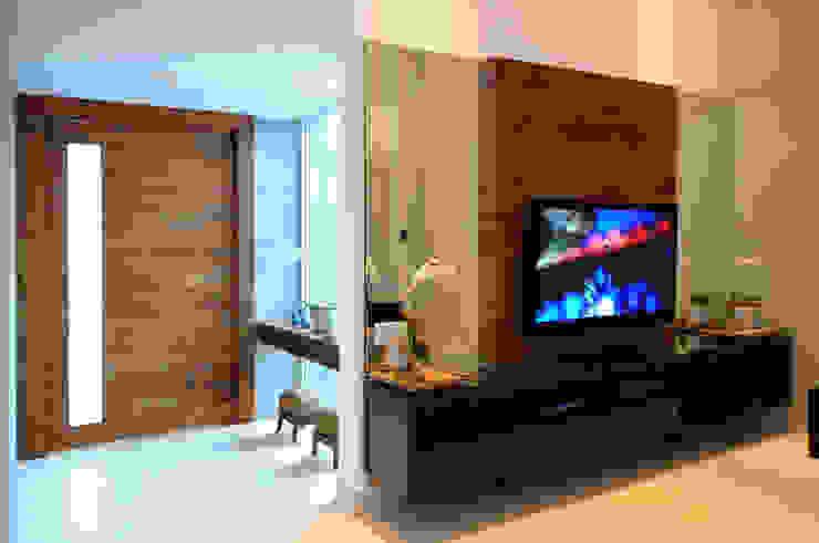 Livings modernos: Ideas, imágenes y decoración de Cabral Arquitetura Ltda. Moderno