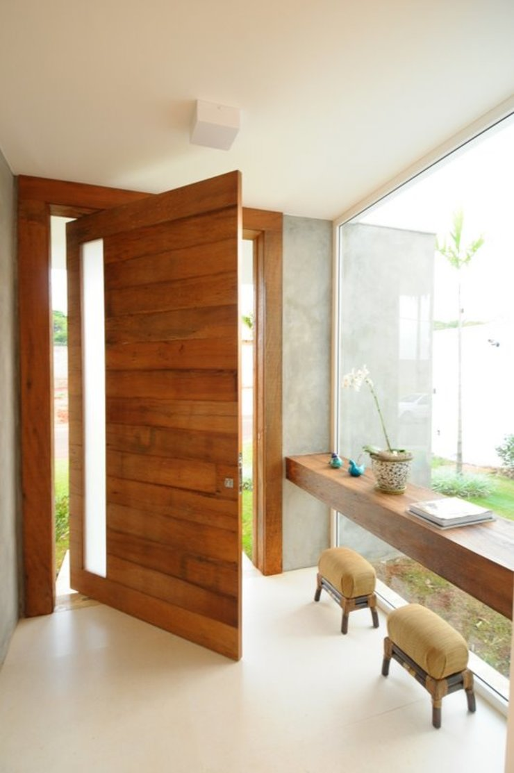 Modern Corridor, Hallway and Staircase by Cabral Arquitetura Ltda. Modern