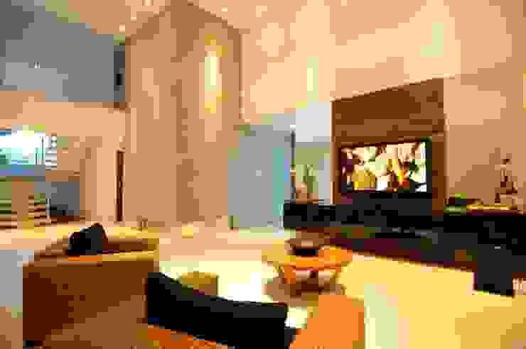 Espaço da sala de estar Salas de estar modernas por Cabral Arquitetura Ltda. Moderno