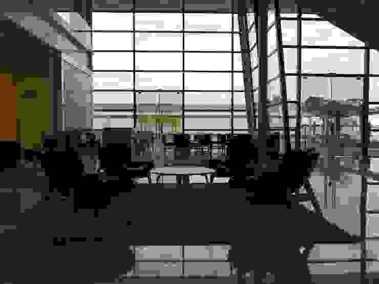 Lounge Customer Center Locais de eventos escandinavos por LUIZE ANDREAZZA BUSSI INTERIORES+ CORPORATIVO Escandinavo