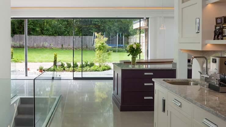 Open Plan Kitchen - Dining Room Modern kitchen by Wildblood Macdonald Modern