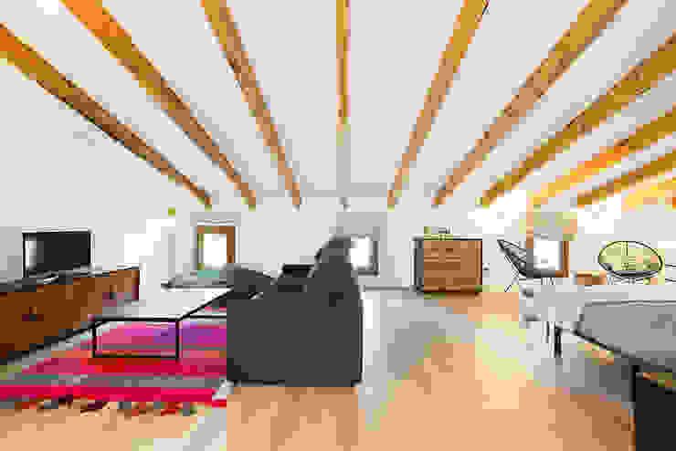 Modern style bedroom by ISLABAU constructora Modern