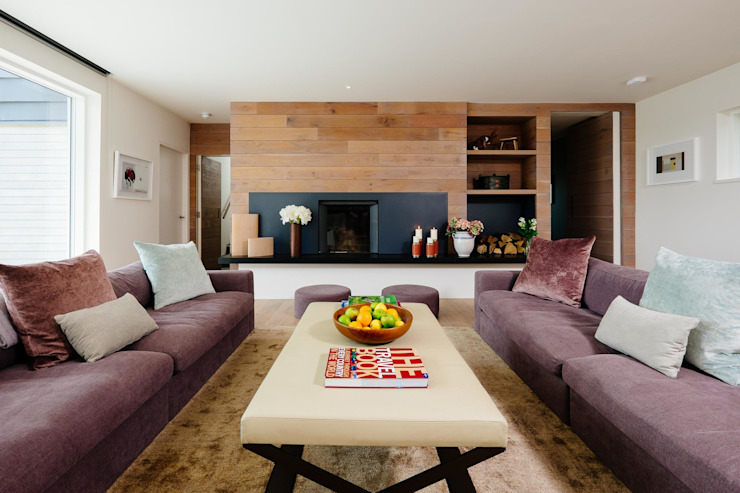 Living room Livings modernos: Ideas, imágenes y decoración de Perfect Stays Moderno