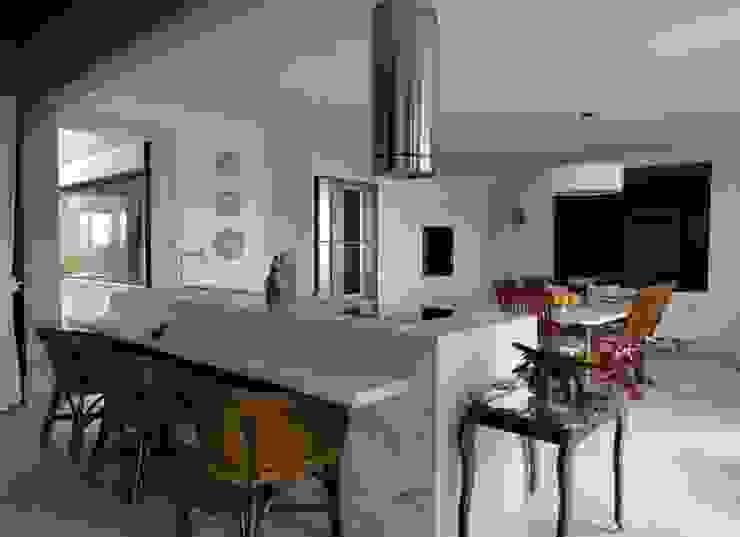 Cocinas de estilo  por DG Arquitetura + Design