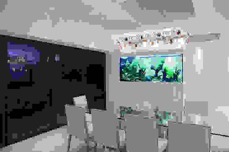 Contemporary Family Home Aquarium Architecture Modern dining room
