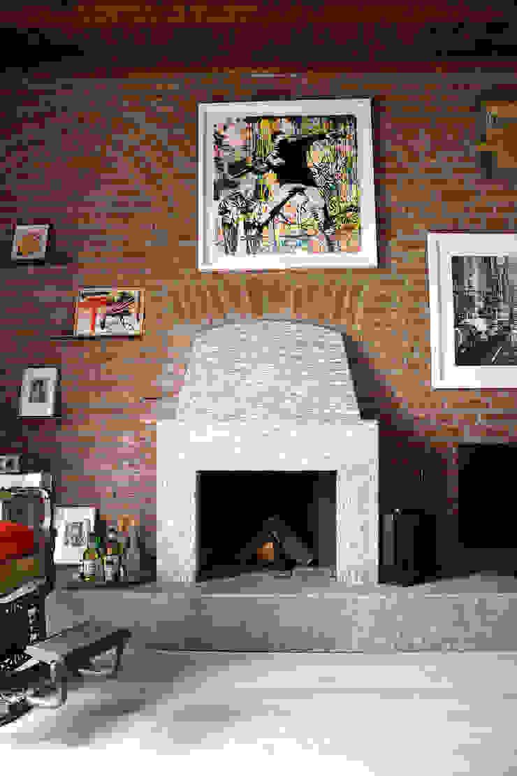 Camino enzoferrara architetti Soggiorno moderno