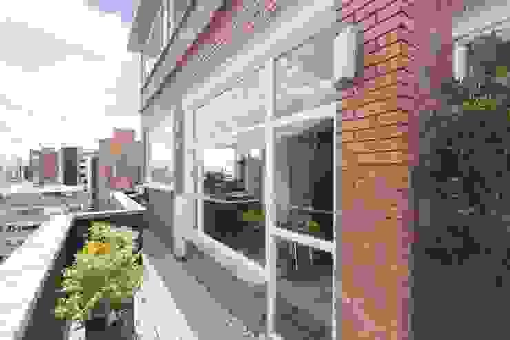 Remodelación de Apartamentos Balcones y terrazas de estilo clásico de ODA - Oficina de Diseño y Arquitectura Clásico