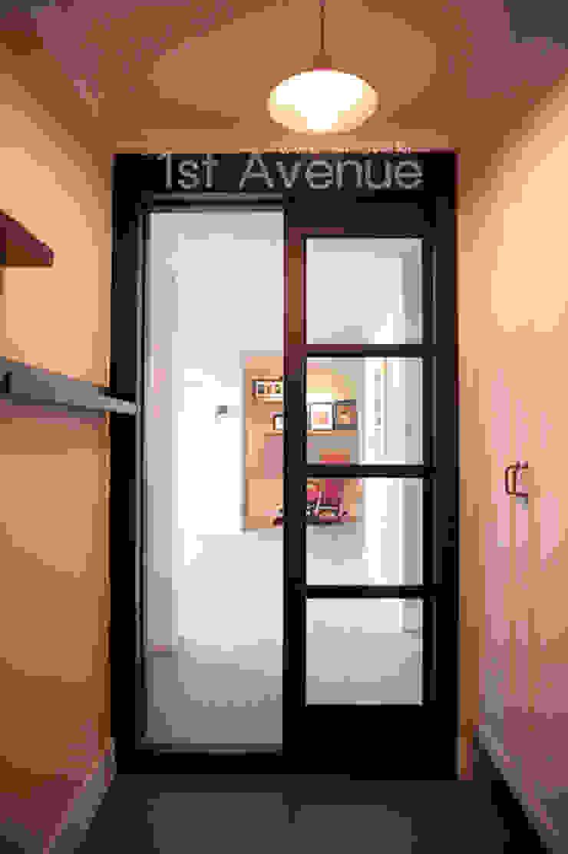 가구를 위한 모던인테리어 퍼스트애비뉴 모던스타일 복도, 현관 & 계단