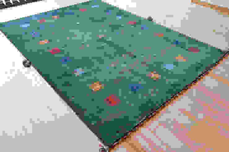 GABBEH(ギャッベ): Vigore interior&galleryが手掛けたスカンジナビアです。,北欧 羊毛 オレンジ