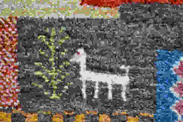 願いを込めた愛らしいモチーフ: Vigore interior&galleryが手掛けたスカンジナビアです。,北欧 羊毛 オレンジ