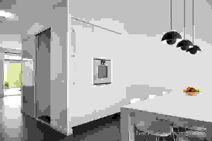 modern  by Txell Alarcon, Modern