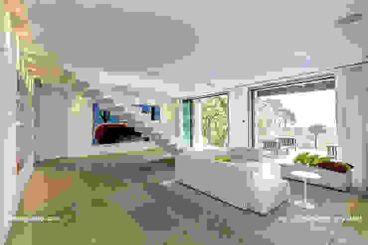 Projekty,  Korytarz, przedpokój zaprojektowane przez Lis Melgarejo Arquitectura, Nowoczesny