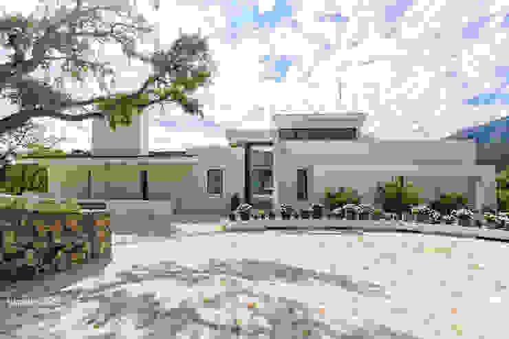 Projekty,  Domy zaprojektowane przez Lis Melgarejo Arquitectura, Nowoczesny