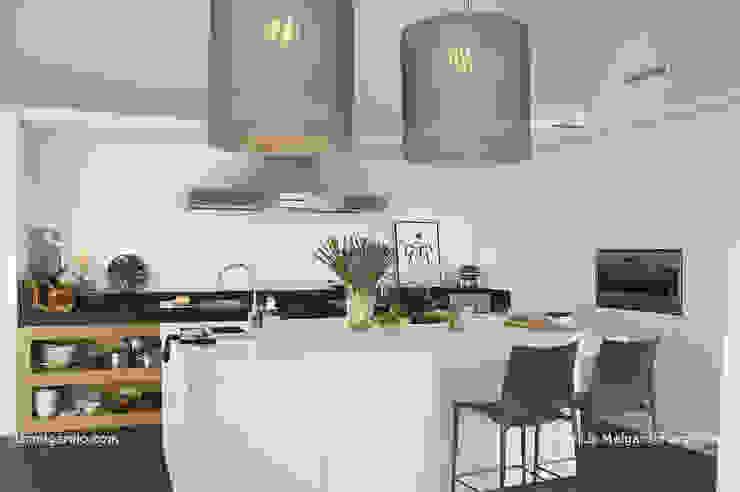 Cocinas de estilo moderno de Lis Melgarejo Arquitectura Moderno