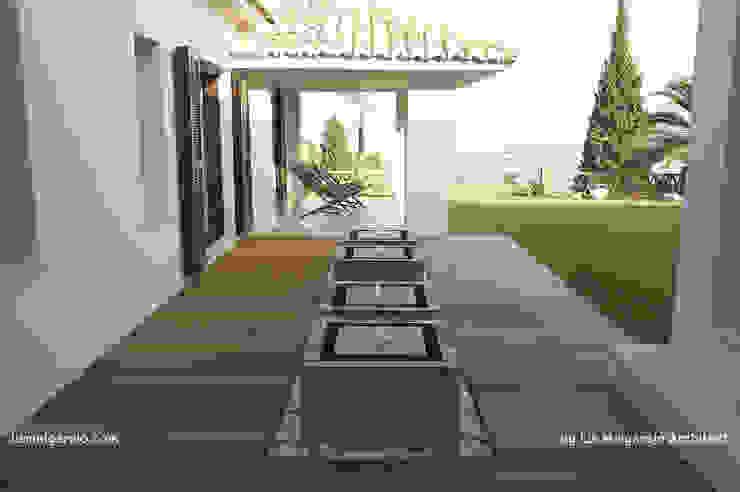 Balcones y terrazas modernos de Lis Melgarejo Arquitectura Moderno