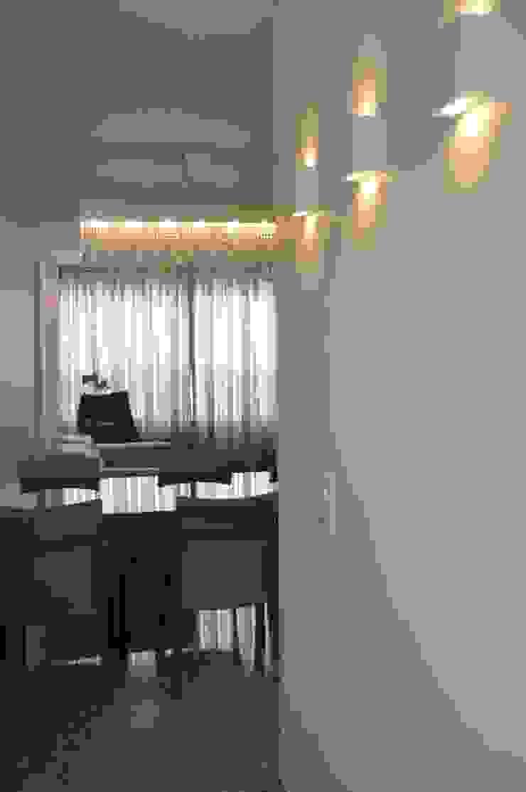 Entrada/ Sala de jantar Salas de jantar modernas por Novità - Reformas e Soluções em Ambientes Moderno