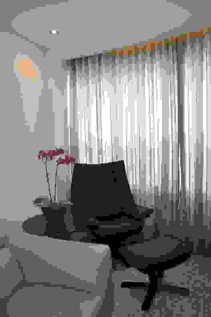 Sala de estar Salas de estar modernas por Novità - Reformas e Soluções em Ambientes Moderno