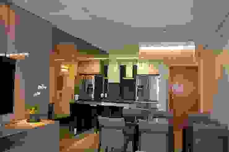 Sala de estar e jantar/ cozinha Salas de jantar modernas por Novità - Reformas e Soluções em Ambientes Moderno