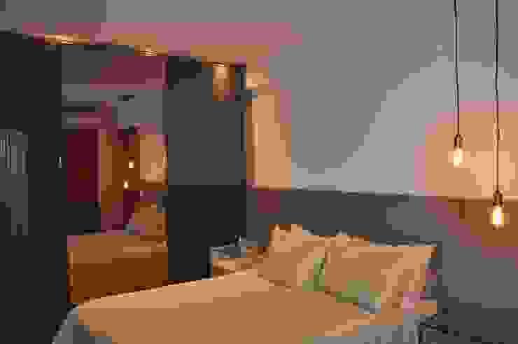 Suite casal Quartos modernos por Novità - Reformas e Soluções em Ambientes Moderno