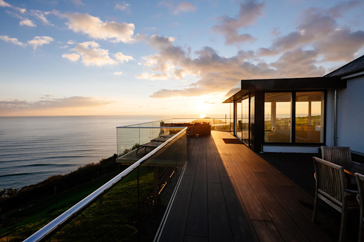 Decking Modern Terrace by Perfect Stays Modern