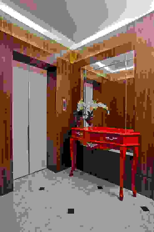 APARTAMENTO MS Corredores, halls e escadas clássicos por Studio Boscardin.Corsi Arquitetura Clássico