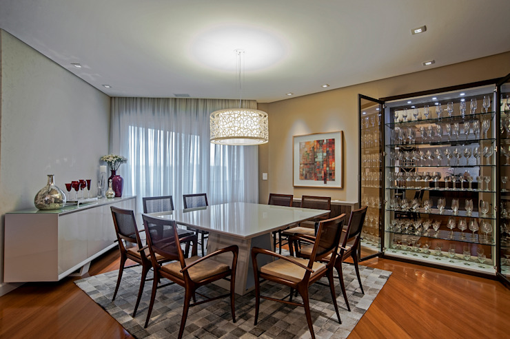 APARTAMENTO MS Salas de jantar clássicas por Studio Boscardin.Corsi Arquitetura Clássico
