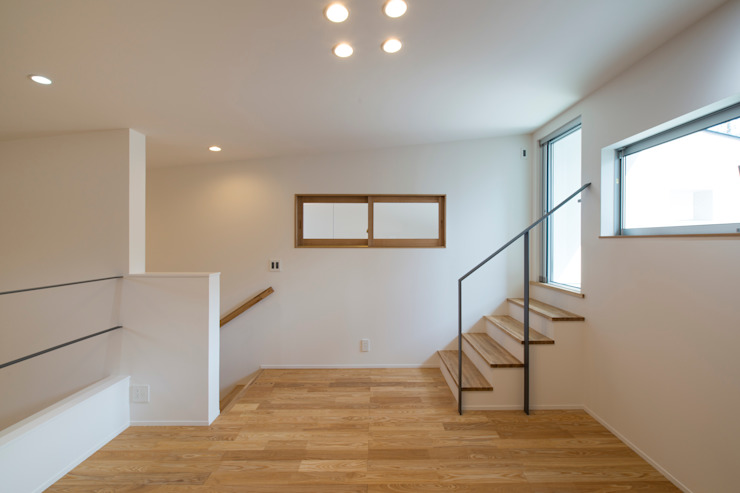 Sakurayama-Architect-Design Modern Study Room and Home Office