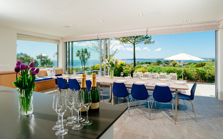 Ednovean House, Perranuthnoe | Cornwall 모던스타일 다이닝 룸 by Perfect Stays 모던