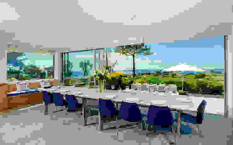 Ednovean House, Perranuthnoe   Cornwall Modern Dining Room by Perfect Stays Modern