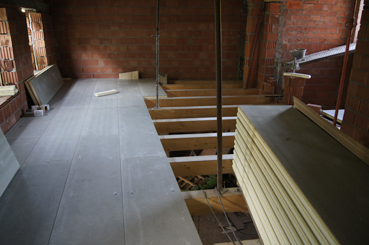 Entreplantas aligeradas de panelestudio.com panelestudio Paredes y pisos de estilo rústico