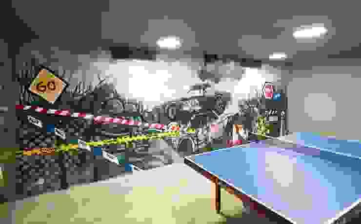 Duvarda Graffiti Çalışması ve Masa Tenisi Bölümü Modern Garaj / Hangar Pimodek Mimari Tasarım - Uygulama Modern