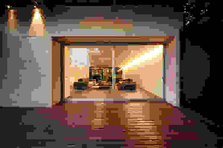 Casa Galeana Salones minimalistas de grupoarquitectura Minimalista