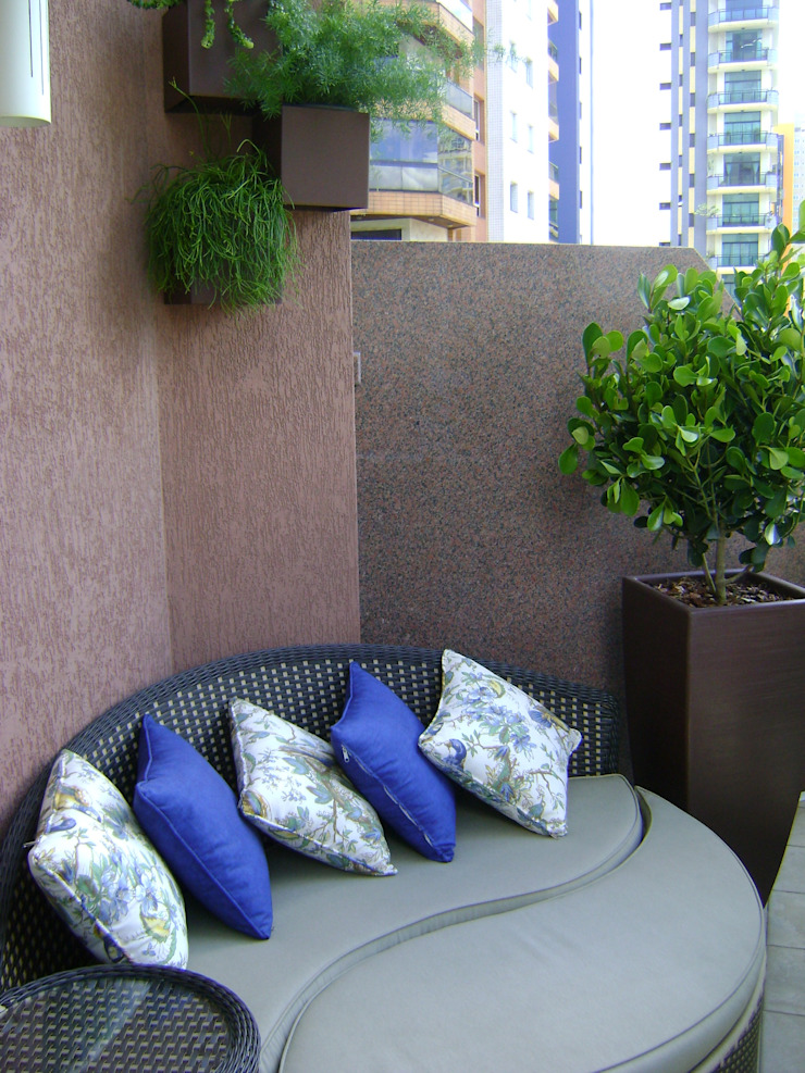 Balcone, Veranda & Terrazza in stile moderno di MC3 Arquitetura . Paisagismo . Interiores Moderno