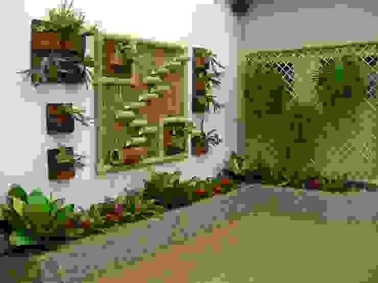PAISAGISMO: JARDINS DE INVERNO BY MC3 Jardins de inverno rústicos por MC3 Arquitetura . Paisagismo . Interiores Rústico