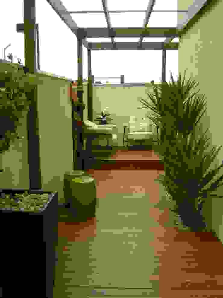 Vườn phong cách hiện đại bởi MC3 Arquitetura . Paisagismo . Interiores Hiện đại