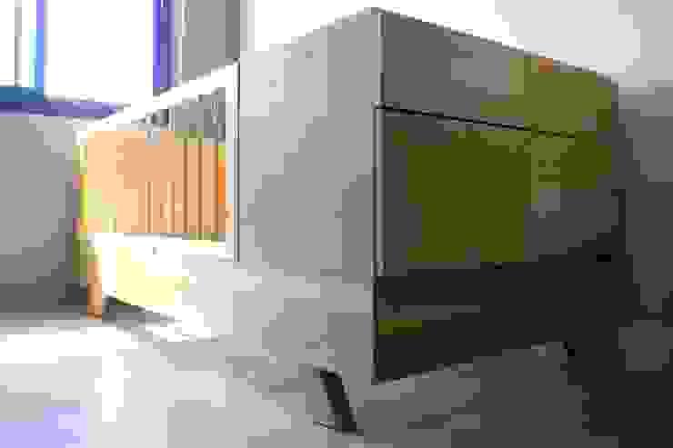 Cuna Funcional ZT . Diseño de mobiliario DormitoriosCamas y cabeceras Madera maciza Acabado en madera