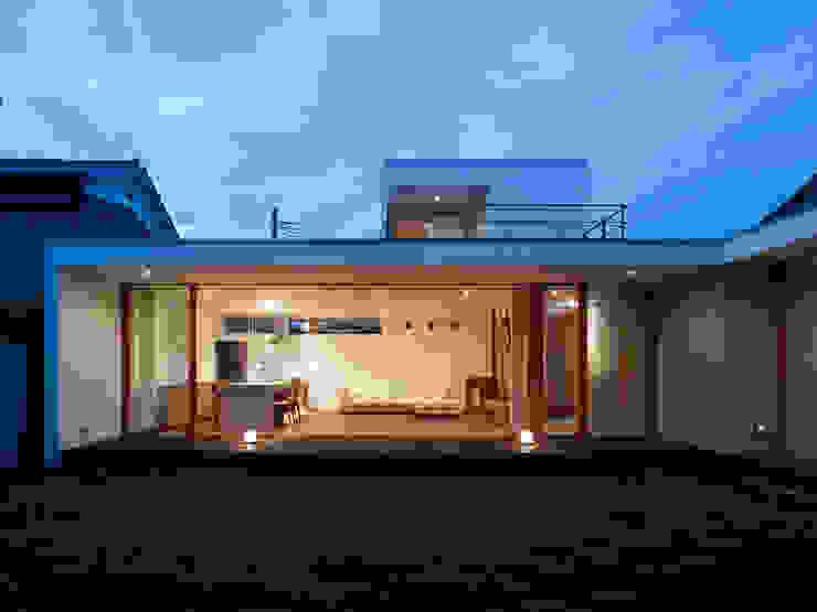小野里信建築アトリエ Jardines de estilo moderno