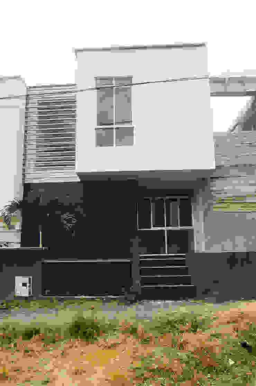 28 Townhouse. Casas de estilo clásico de Oficina Suramericana De Arquitectura Clásico