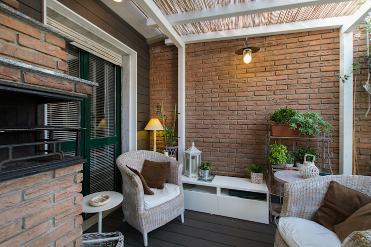 Rustic style balcony, veranda & terrace by Fabio Carria Rustic Bricks